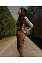 Zara shirt - Zara pants - Sirens heels