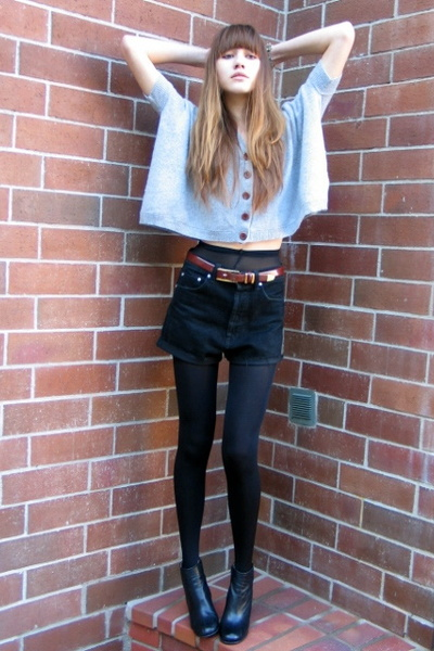 black vintage shorts - black stefane kelian shoes - gray madewell top