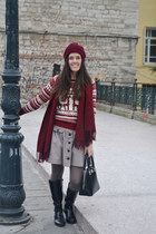 ruby red burgundy beanie Natbees accessories - black next boots