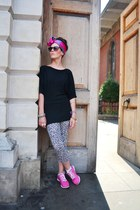 fuschia Clarks sneakers - leopard OASAP leggings - satén Primark scarf