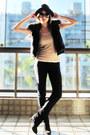 Black-arezzo-boots-black-zara-hat-black-siberian-leggings