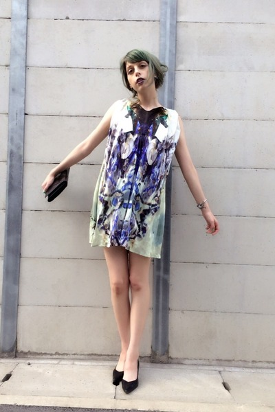 black point toe heels vintage shoes - blue dress dress