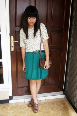 green near my house store blouse - green NyLa skirt - brown Guess shoes - black