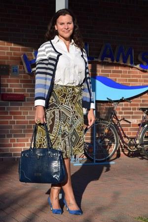 Le Uthe shirt - Claudia Canova bag - Yessica skirt - Cindy Crawford pumps