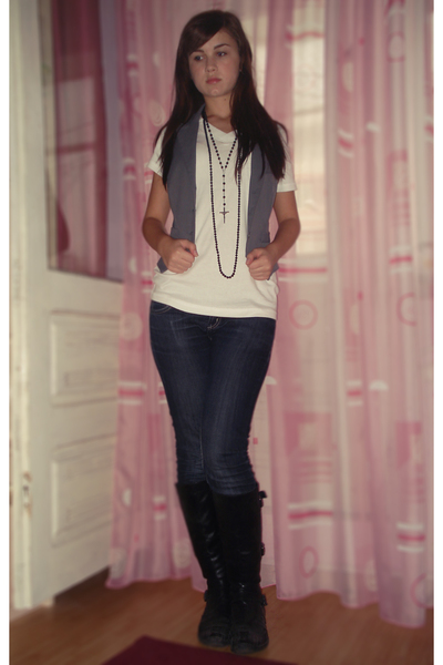 Colors of the World t-shirt - Majorette vest - unknown necklace - unknown jeans