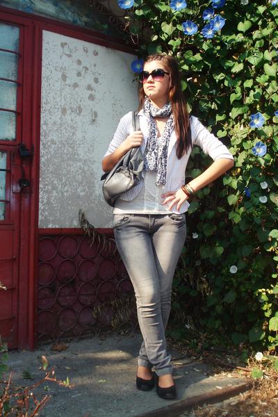 redherring top - unknown scarf - meli melo purse - Accessorize bracelet - Terran
