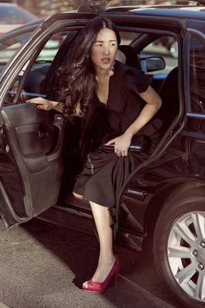 ruby red Alexander McQueen heels - black Yeojin Bae dress