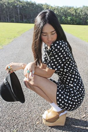 black vintage hat - brown Jeffrey Campbell shoes