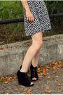 Black-vintage-dress-black-dolce-vita-shoes