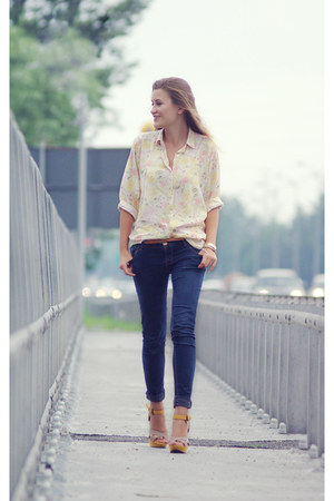 cream shirt shirt - navy pants pants - mustard Shoes heels