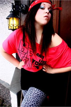 pink seppl shirt - black H&M top - gray second hand leggings