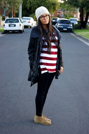 brick red thrift top - tan lipstick shoes - black pants