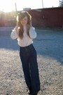 Cream-thrifted-top-navy-old-navy-pants-black-forever21-accessories-black-w