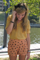 black headband Target accessories - light orange polka-dot Motel shorts