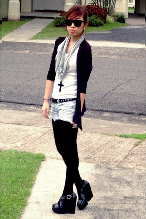 cotton on cardigan - Topshop t-shirt - DIY shorts - H&M shoes - Ruckus by Nikki