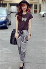 Black-shirt-pants-black-heels-necklace-black-bag