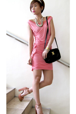salmon suede Topshop shoes - bubble gum jersey Tyler dress - black shoulder bag