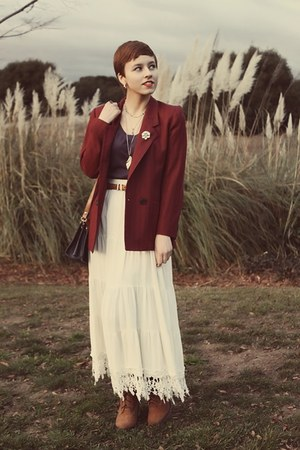 thrifted vintage skirt - thrifted vintage blazer - vintage purse