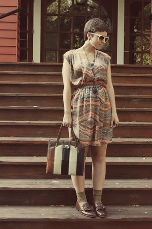 Forever 21 dress - Goodwill shoes - vintage purse