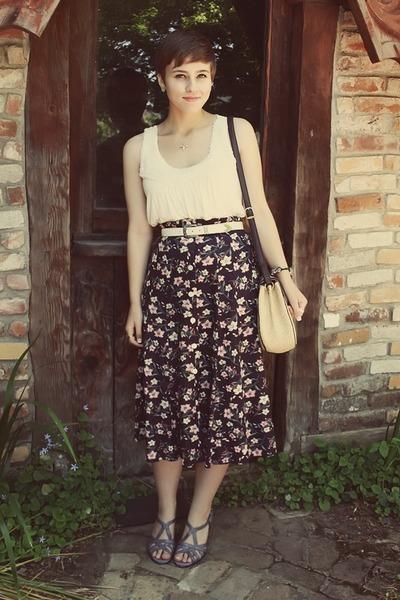 thrifted skirt - Forever 21 top - aerosoles heels