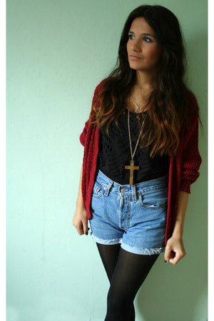red thrifted cardigan - black tights - sky blue Levis shorts - black Reiss vest