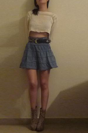beige liz claiborne sweater - blue skirt - beige boots