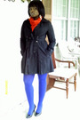Black-xoxo-coat-red-thrifted-scarf-blue-anne-klein-stockings