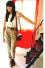 White-zara-shirt-brown-vintage-belt-beige-zara-pants-brown-zara-shoes-br