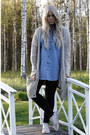 Black-dr-denim-jeans-sky-blue-denim-monki-shirt-beige-monki-cardigan