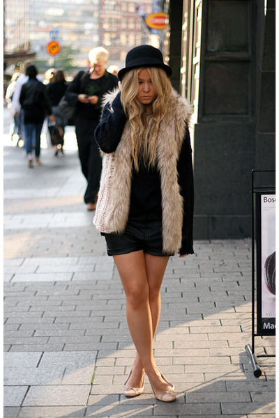 beige Topshop shoes - black Monki hat - black BikBok shorts - beige H&M vest