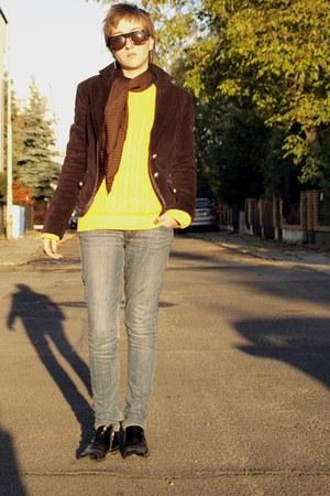 deep purple Ae Woman jacket - black boots - navy Levis jeans