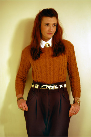 brown brooch Vintage costume accessories - tawny asos sweater - white asos shirt
