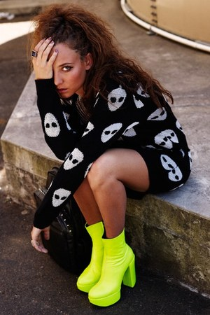 neon yellow unknown brand boots