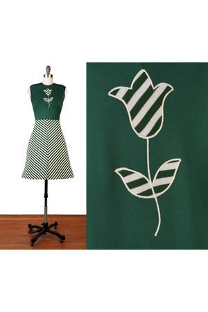 dark green vintage 1960s dress dress