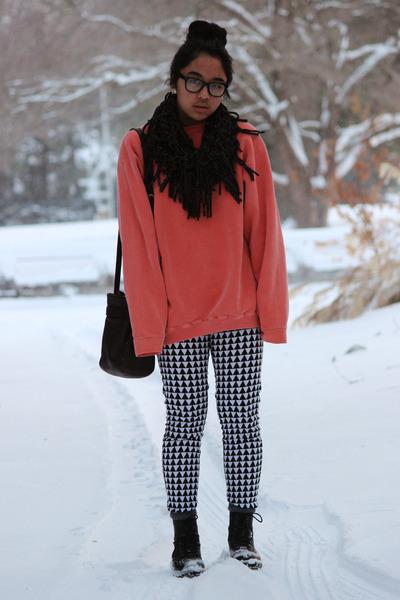 black combat H&M boots - black pattern Forever 21 pants