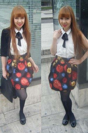 H&M Trend skirt - H&M Trend purse - Divided blouse - Divided cardigan