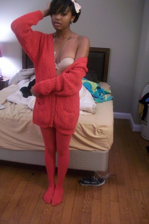 Thrifted Sweater cardigan - Moms Red tights tights