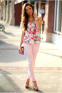 Light-pink-guess-jeans-bubble-gum-guess-top-gold-dailylook-heels
