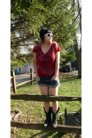 black Charlotte Russe boots - ruby red detail Roar shirt - Idle Minds shorts