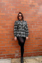 army green flannel shirt unknown shirt - black River Island boots