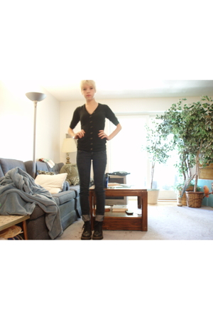 black doc martens boots - blue Forever21 jeans - black shirt