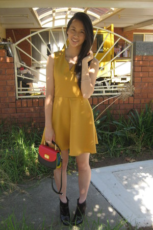 DIY dress - Senso boots - vintage bag - vintage bracelet - Gloss ring