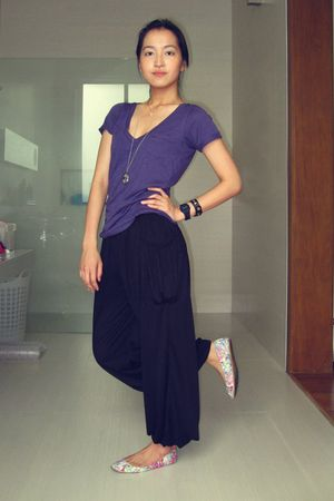 purple Zara top - black pants - white H&M garden collection shoes - black timex