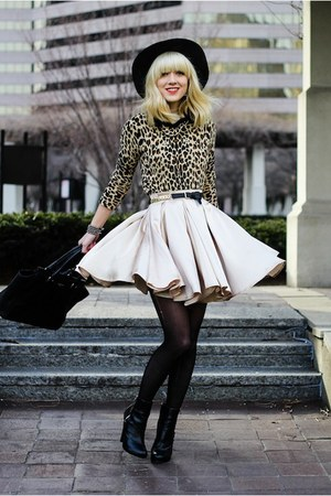 black H&M boots - cheetah Forever 21 sweater - gold American Apparel skirt