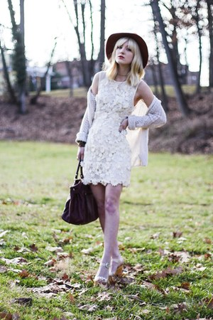 off white Urban Outfitters dress - beige Jeffrey Campbell sandals