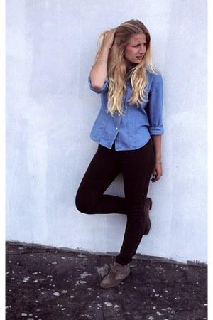 Deichmann boots - Cubu jeans - blue Mango t-shirt