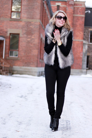 gray faux fur BB Dakota vest - black Dolce Vita boots - black Joe Fresh shirt