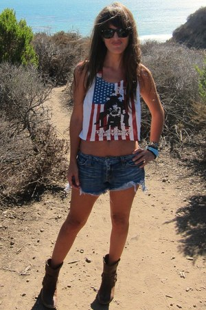 ivory band tank Forever 21 top - blue cut off Levis shorts