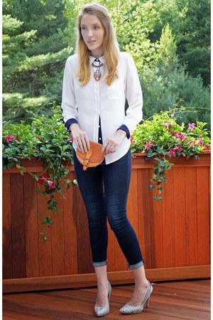 navy AYR jeans - white isaac mizrahi shirt - heather gray BCBG heels