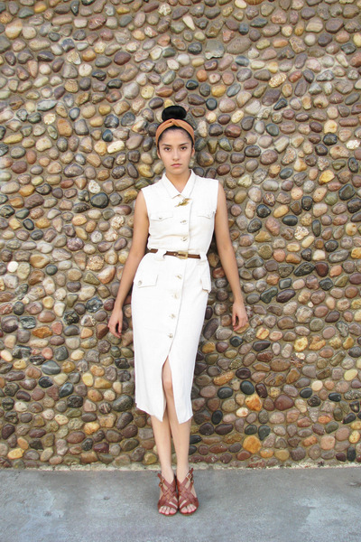 off white linen vintage dress - dark brown leather vintage accessories